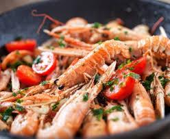cuisiner les langoustines poêlée de langoustines recette de poêlée de langoustines marmiton