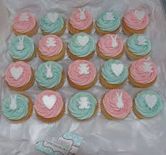 baby shower twins cupcakes baby twin cupcakes2 baby shower diy