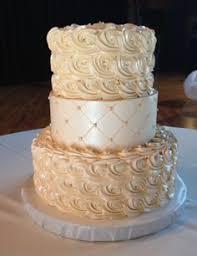 wedding cake by holiday market bakery www holiday market com