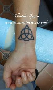 29 awesome celtic knot wrist tattoos