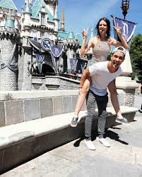 19 Cute Photo Ideas For Couples Headed To Disneyland Couples