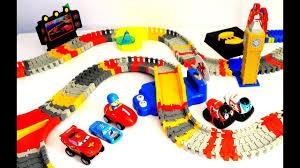Bathtub Race Track Pocoyo Super Circuit Race Track Playset And Cars Lighting Mcqueen