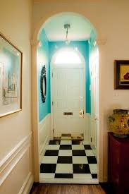 love the hall wall color manufacturer and color please