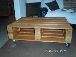 Diy Wooden Pallet Coffee Table by Pallet Wood Coffee Table Glass Top And Wheels 99 Pallets