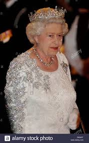 queen elizabeth ii attending a state dinner hosted by the