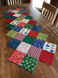 zig zag table runner this zig zag runner is so easy to make quilting digest