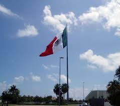 Picture Of Mexican Flag File Cancun Flag Jpg Wikipedia