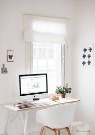 New Year Bay Decoration In Office by Best 25 Minimalist Office Ideas On Pinterest Desk Space Chic