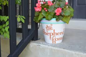 personalized flower pot make a personalized easy diy flower pot hazel ruby