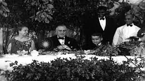 president franklin roosevelt and his at a thanksgiving dinner