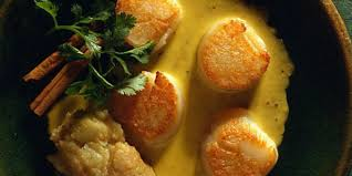 cuisiner des noix de st jacques noix de st jacques au curry recettes femme actuelle