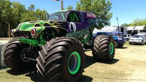 the first grave digger monster truck 2013 no limit rc world finals race coverage rc truck stop