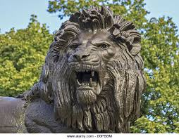 roaring lion statue snarling lion statue stock photos snarling lion statue stock