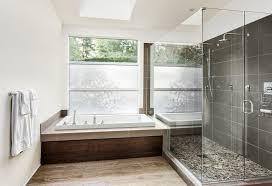 barrierefreies badezimmer innenarchitektur geräumiges barrierefreies badezimmer