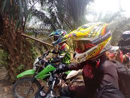 dirt bike trail boots vaune phan tristan park dirt biking malaysia gettin u0027 down