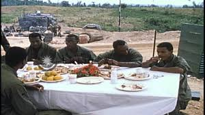 united states army soldiers eat thanksgiving dinner in hd