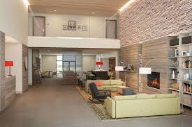 genevieve gorder country inns u0026 suites by carlsonsm partners with genevieve gorder
