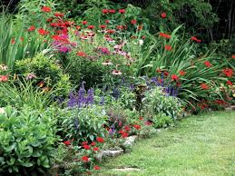 Landscape Flower Bed Ideas by Backyard Flower Garden Ideas And Also Backyard Flower Garden Ideas