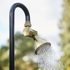 outdoor showers on gardenista