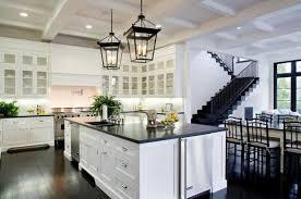plan de travail cuisine blanche cuisine blanche avec plan de travail noir 73 idées de relooking