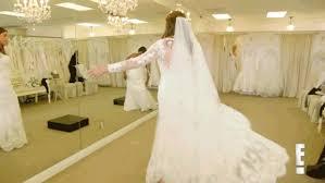 essayage robe de mariã e les 10 erreurs à éviter lors du choix de sa robe de mariée en gifs
