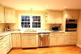 how to clean grease off kitchen cabinets cleaning grease off kitchen cabinets nikejordan22 com