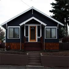 i love the idea of a black house and its nice to see that someone