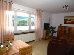 Wohnzimmer Fenster Wohnzimmer Apartment Ferienwohnung Bei Jena