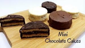 mini chocolate cake recipe in hindi by cooking with smita