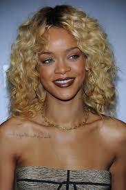 Frisuren Mittellange Haar Dauerwelle by Februar 2012 Mittellang Blond Rihannas Frisuren
