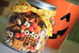 thanksgiving gifts for friends munchkin munchies halloween snack mix