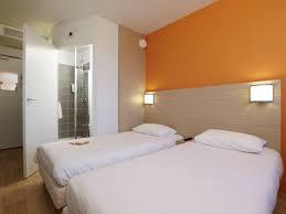 chambre hotel premiere classe hotel première classe caen nord mémorial 2 étoiles à caen dans