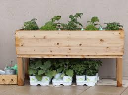 How To Build A Platform Bed With Pallets by How To Build An Elevated Wooden Planter Box Diy