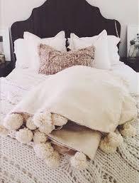 Moroccan Bed Linen - mejores 158 imágenes de wool pom pom blankets by berber wares en