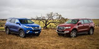 2016 toyota fortuner vs 2016 ford endeavour comparo
