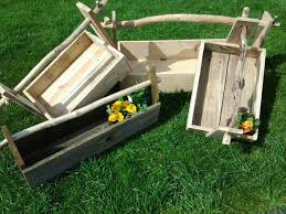 Backyard Planter Box Ideas Diy Pallet Garden Toolbox And Planter Box 101 Pallets