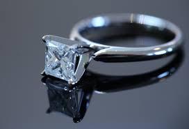 cheap princess cut engagement rings saving money on engagement rings at a pawn shop
