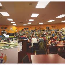 Round Table Pizza Lynnwood Around The Table 32 Photos U0026 39 Reviews Pubs 7600 196th St