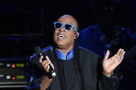 Stevie Wonder Why Is He Blind Stevie Wonder Stokes Conspiracy Rumors That He U0027s Not Actually Blind