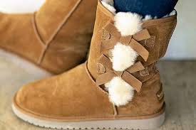 ugg womens fashion boots free 25 ugg s boots free shipping at dsw