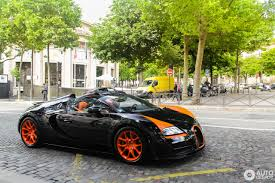 green bugatti bugatti veyron 16 4 grand sport vitesse world record car edition
