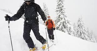 what you should wear for colorado skiing snowshoeing
