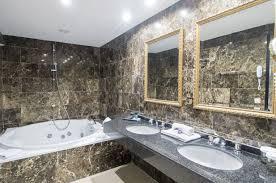 hotel andorre avec dans la chambre chambre suite avec et salon privatif en andorre