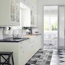 tapis cuisine antiderapant lavable tapis carreaux de ciments noir 120x50cm toodoo tapis cuisine