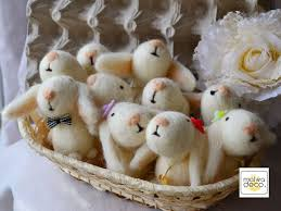 Easter Basket Table Decorations by Best 25 Easter Baskets Wholesale Ideas On Pinterest Fundraiser