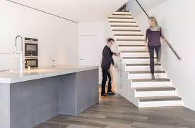 schrank unter treppe schrank unter treppe kaufen schrank meter hoch passt ideal unter