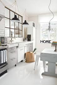 cuisine sol blanc parquet dans la cuisine amazing cuisine ouverte sur le salon