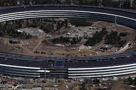 apple u0027s new california spaceship campus shown in photos daily