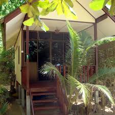 moonhut bungalows maenam beach koh samui stay or dine