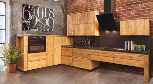 küche massivholz einbauküchen quadro moderne landhausküche massivholz küche in
